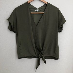 Lucky Brand tie front deep V shirt size small